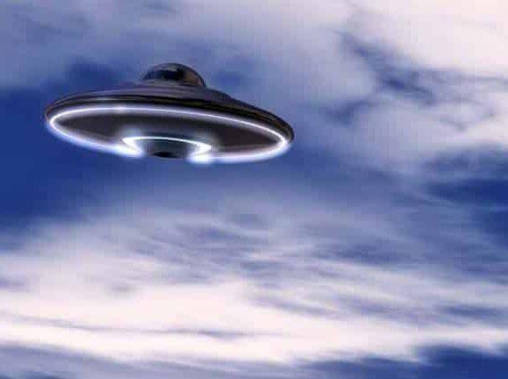 Ученый считает, что НЛО могут управлять земляне из будущего