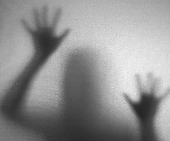 6 возможных научных причин ощущения присутствия призраков